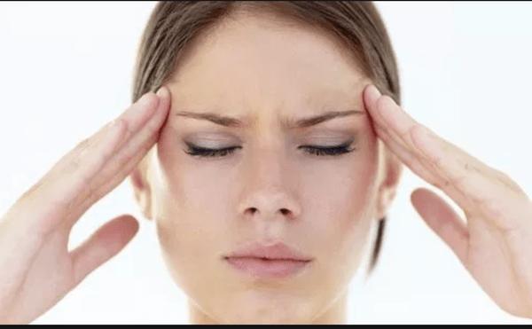 ¿Despiertas con dolor cabeza? Probablemente estás siendo víctima de bruxismo
