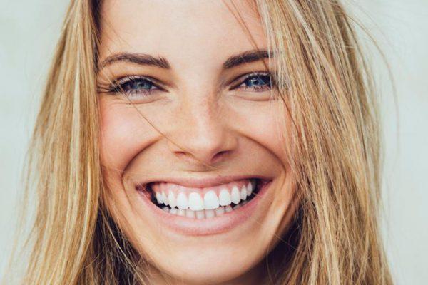 Sonreír tiene grandes beneficios para tu salud